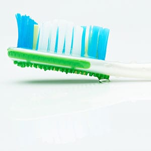 a picture of a tooth brush
